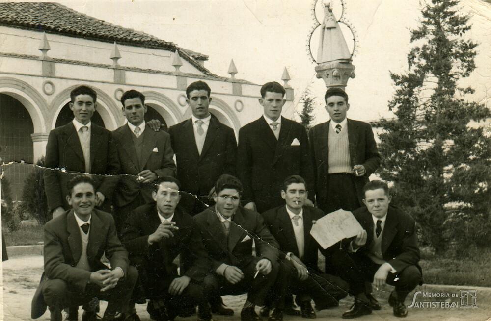 Quinta de 1961 en la plaza Ramón y Cajal (Ermita)