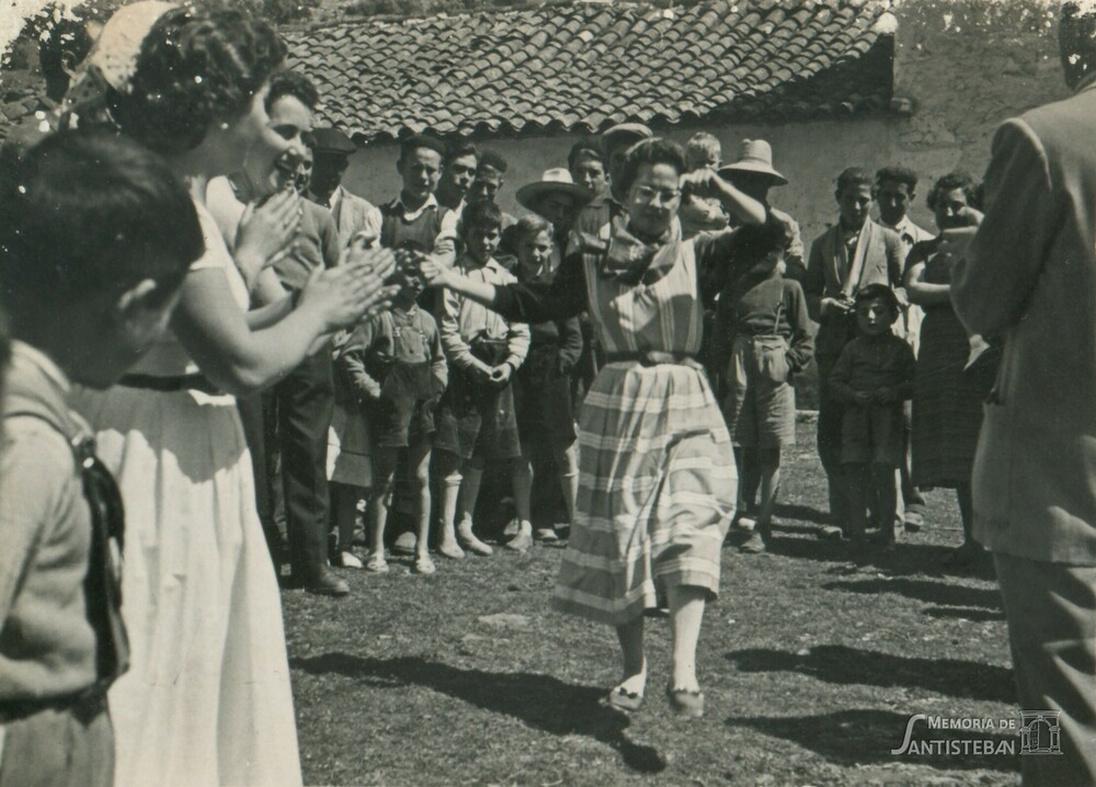 Bailando en El Molino