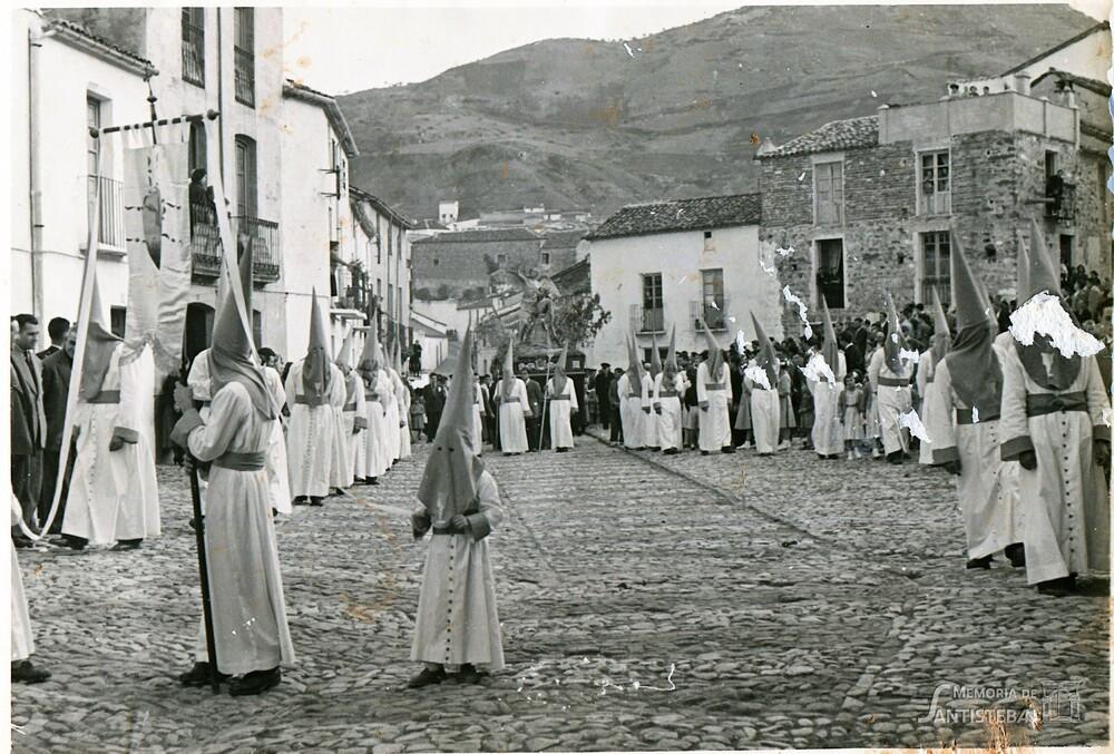 La Oración en el Huerto pasando por la Plazoleta del Convento