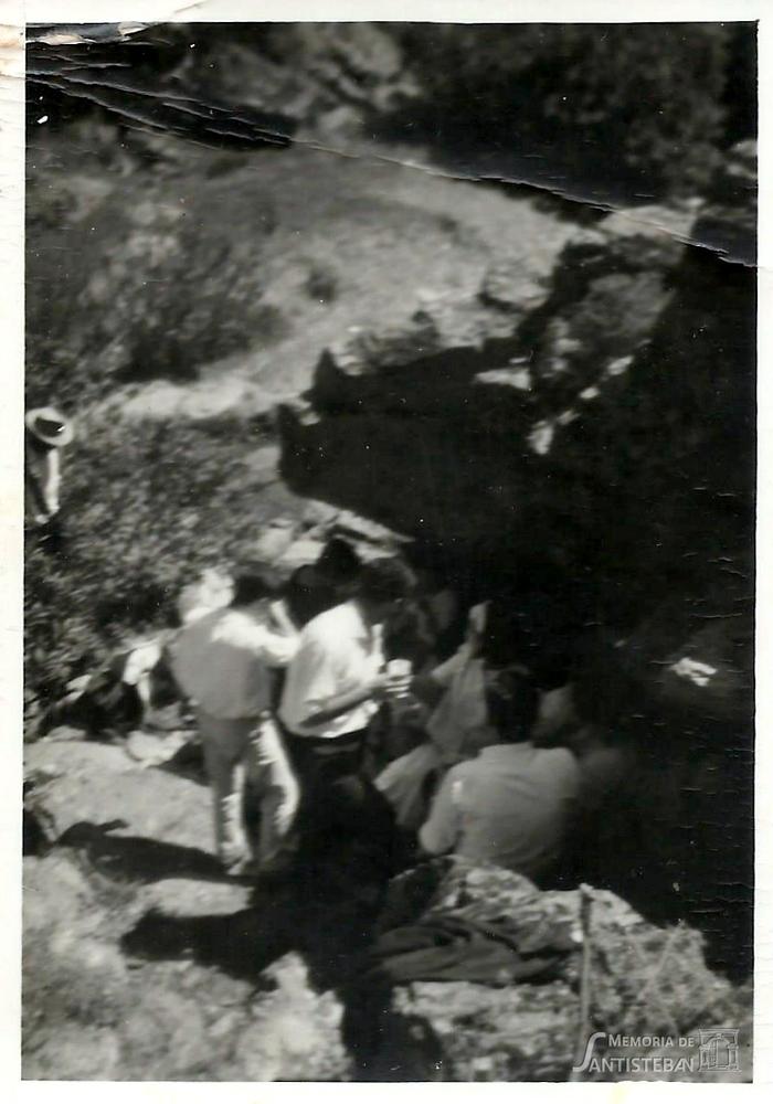 Grupo de jóvenes en el Molino