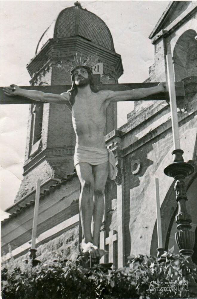 Cristo del Perdón bajo la torre de San Esteban